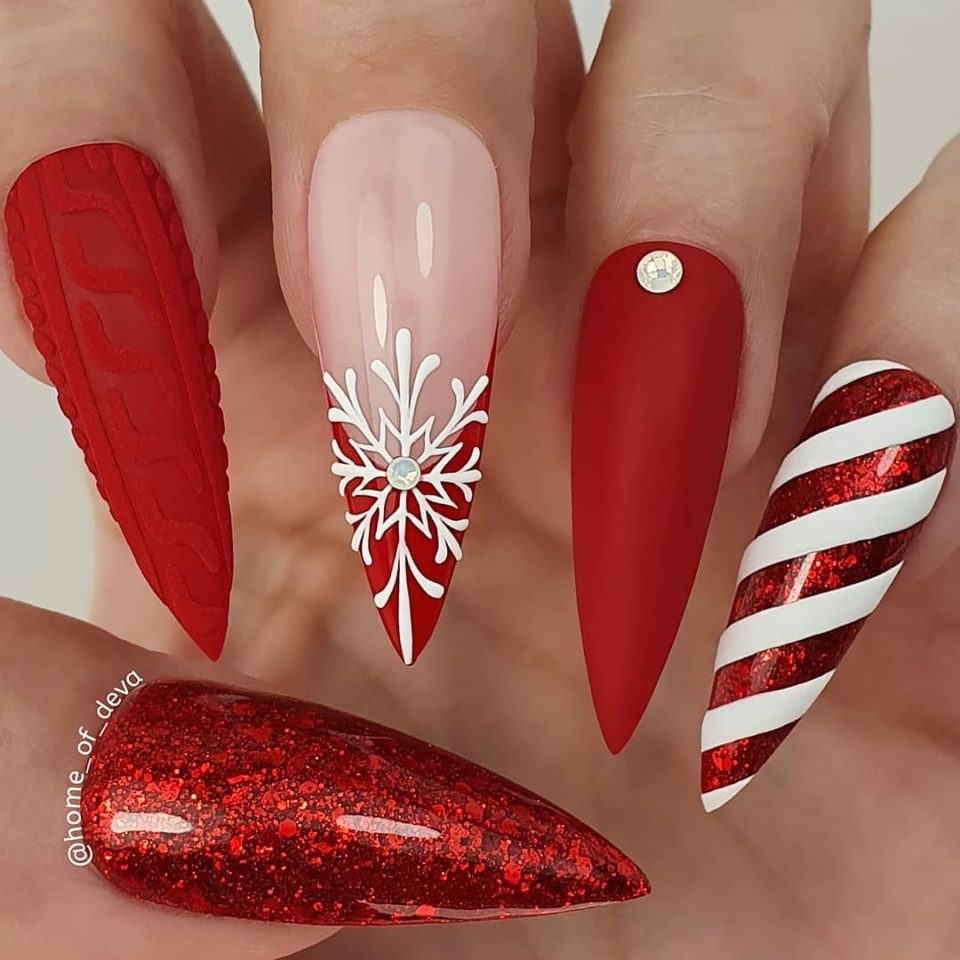 'Tis the Season: 30 Examples of Flawlessly Festive Holiday Nails